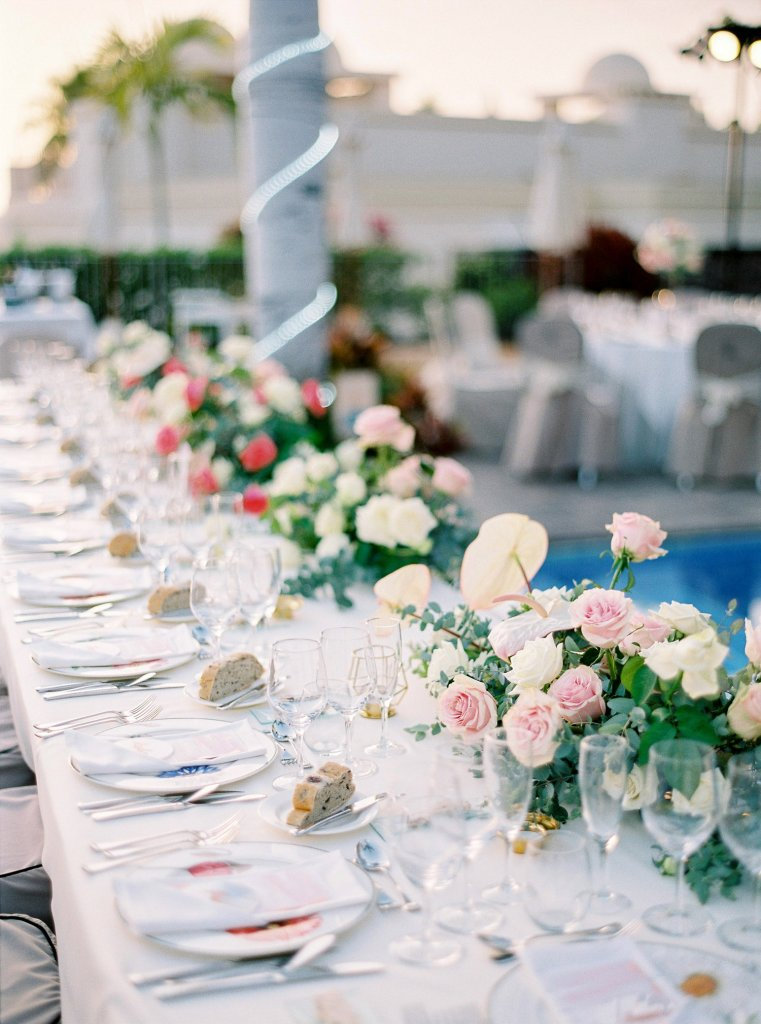 flower decoration for wedding table