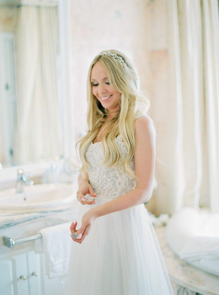 bride getting ready, wedding Tenerife