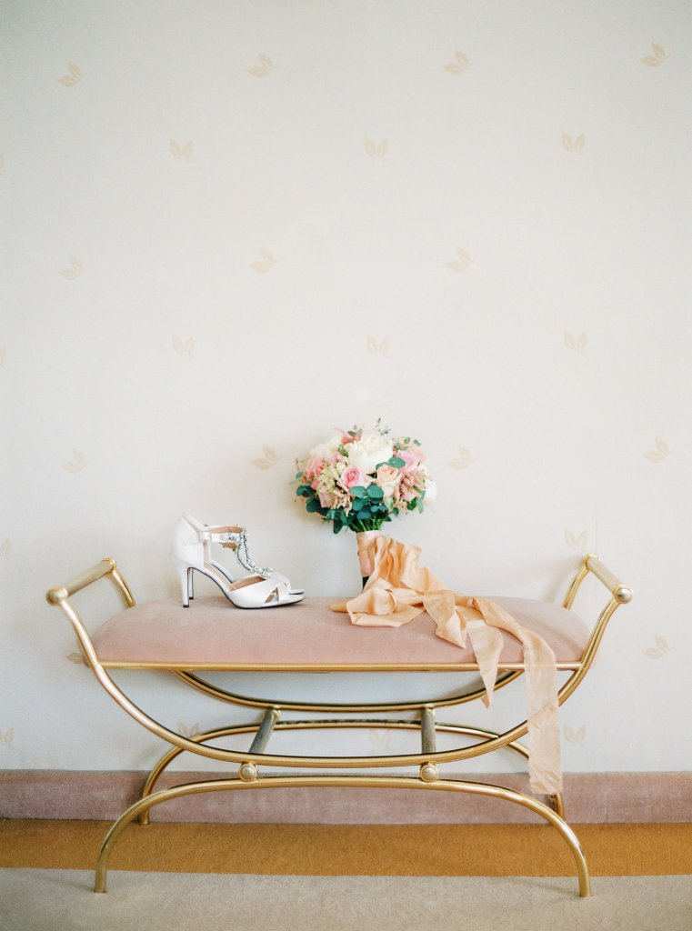 wedding details, silk ribbons, photographer in Italy